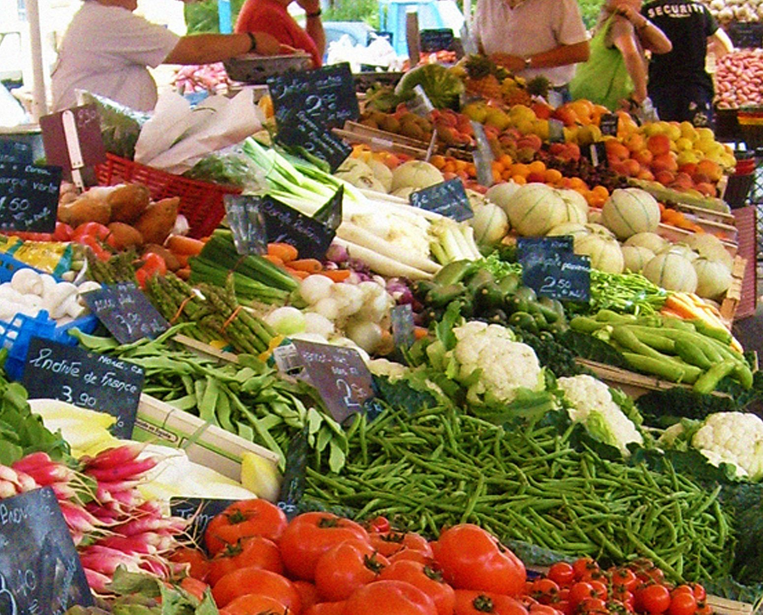 Produe at market
